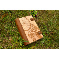 """Notebook made of genuine leather and wood """"Dreamcatcher"""" with two clasps"""