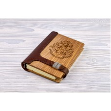 "Notebook made of genuine leather and wood ""Hogwarts"" on a magnetic clasp"