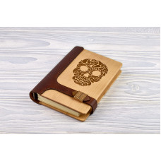 "Notebook made of genuine leather and wood ""Skull"" on magnetic clasp"