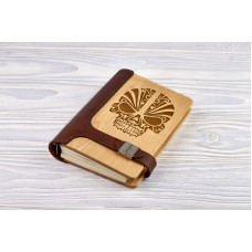 """Notebook made of genuine leather and wood """"Skull"""" on magnetic clasp"""